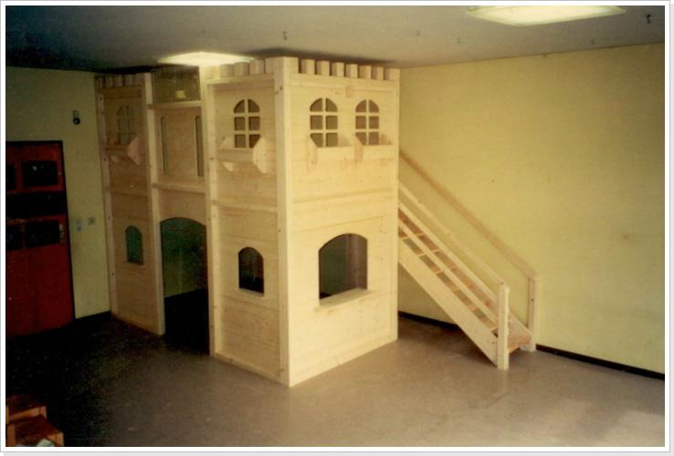 Kinderbett spielhaus  SPIELHÄUSER
